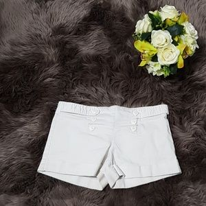 Cute Off White Shorts ♥️